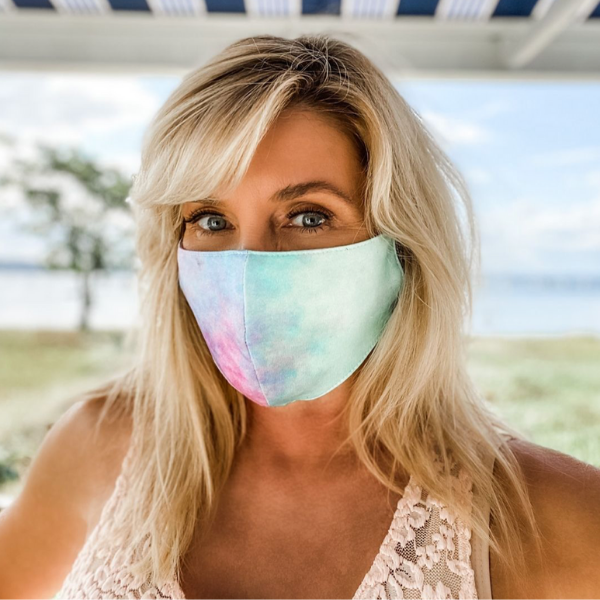 nyc-psychologist-dr-nadine-macaluso-donates-facemasks-for-mental-health